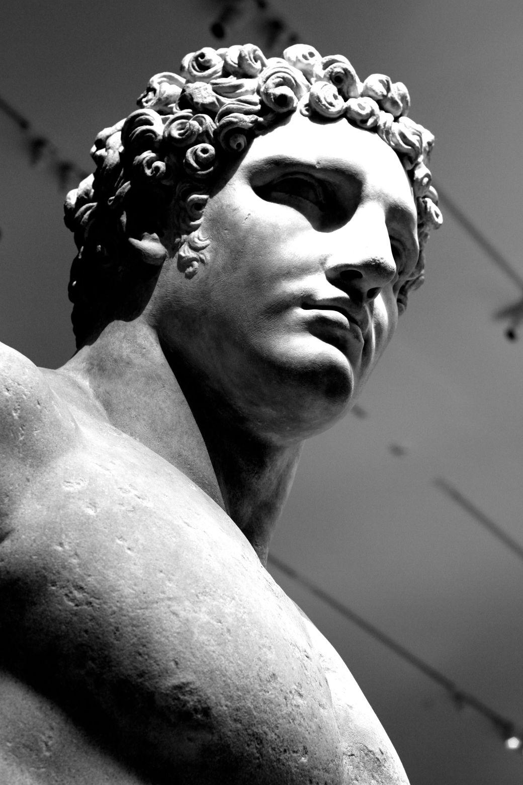 new york city metropolitan museum of art greek and roman statues 4