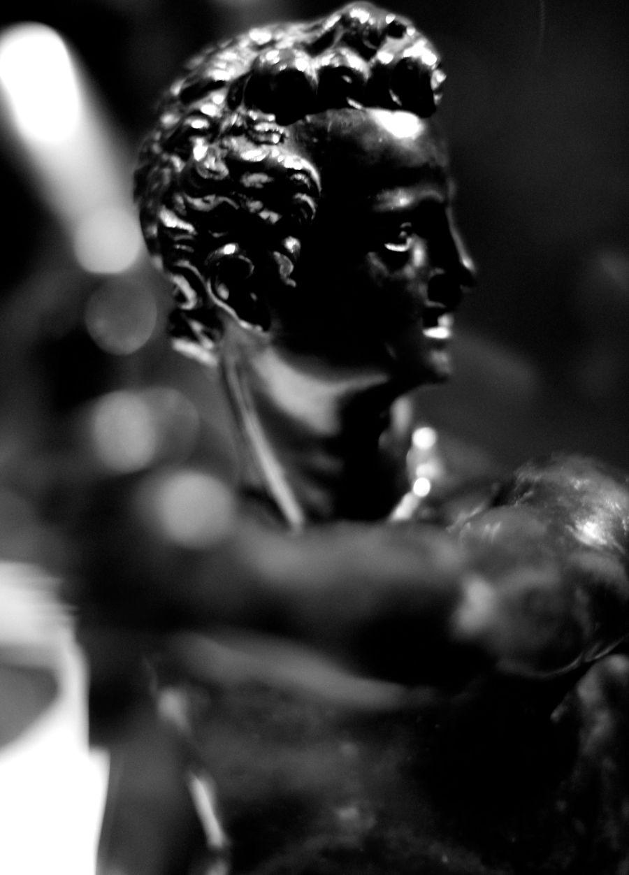 new york city metropolitan museum of art statue