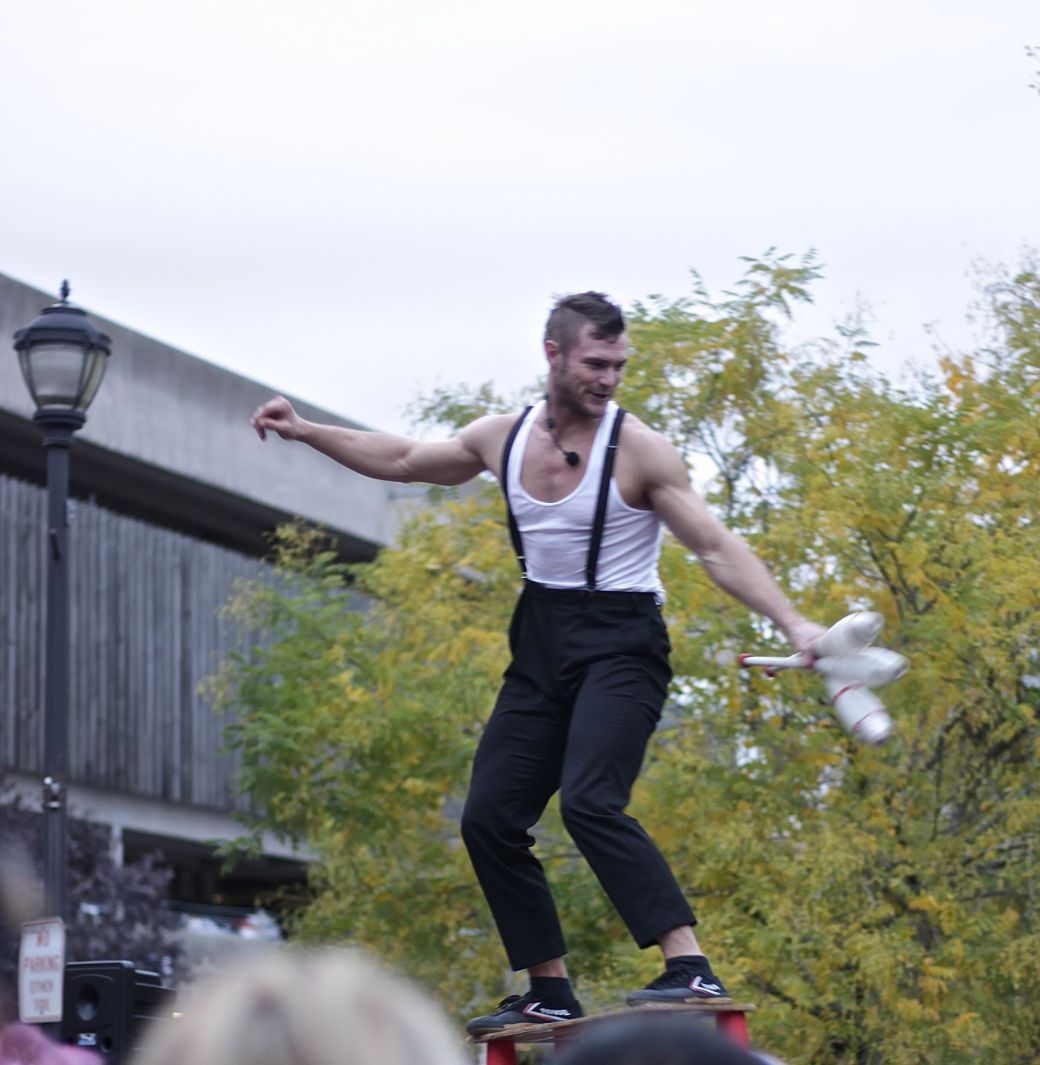 salem halloween october 31 2014 orion griffiths street performer orions griffiths