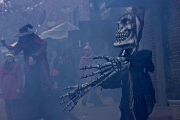 salem halloween october 31 2014 skeleton statue