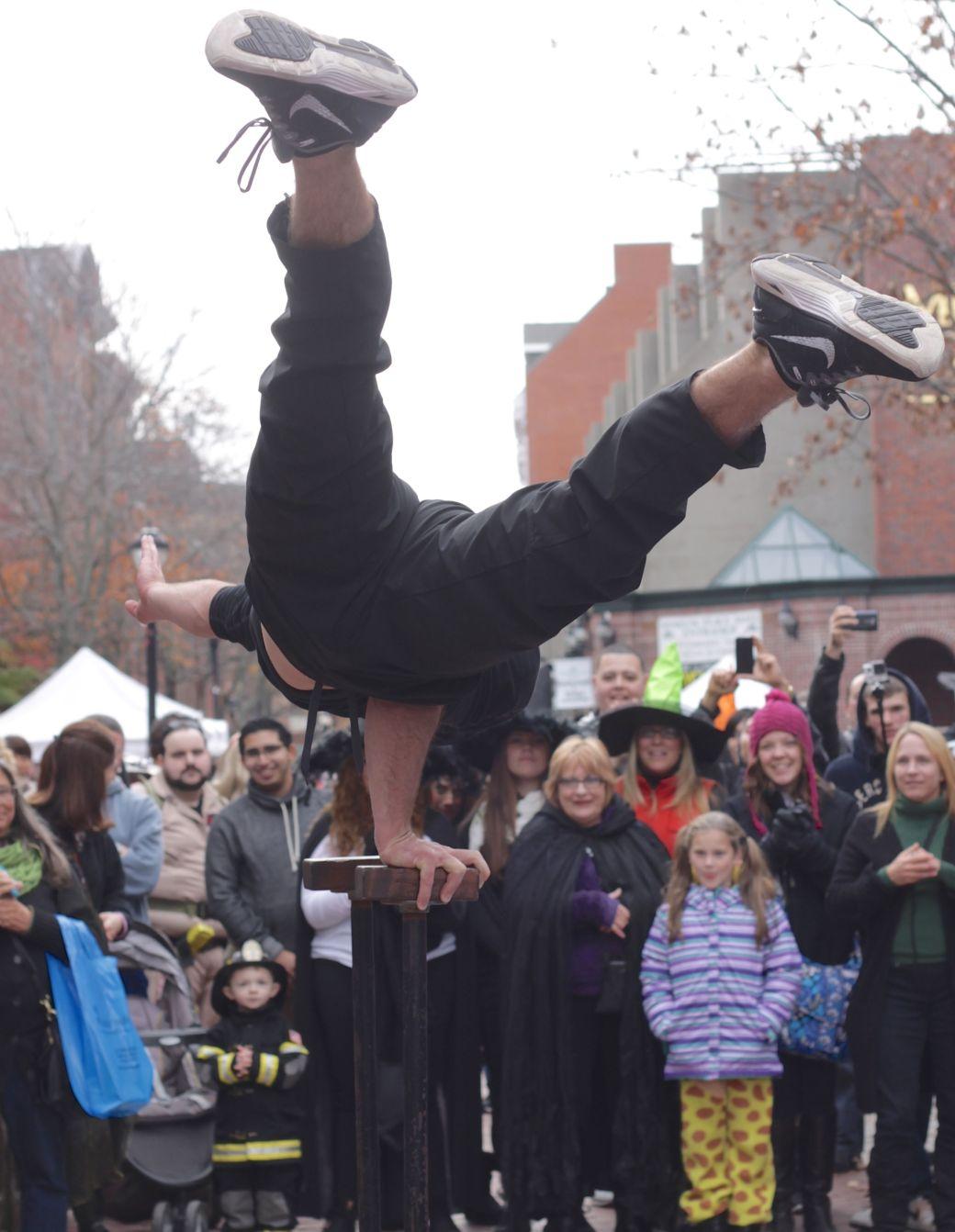salem halloween october 31 2014 street performer gymnastic move