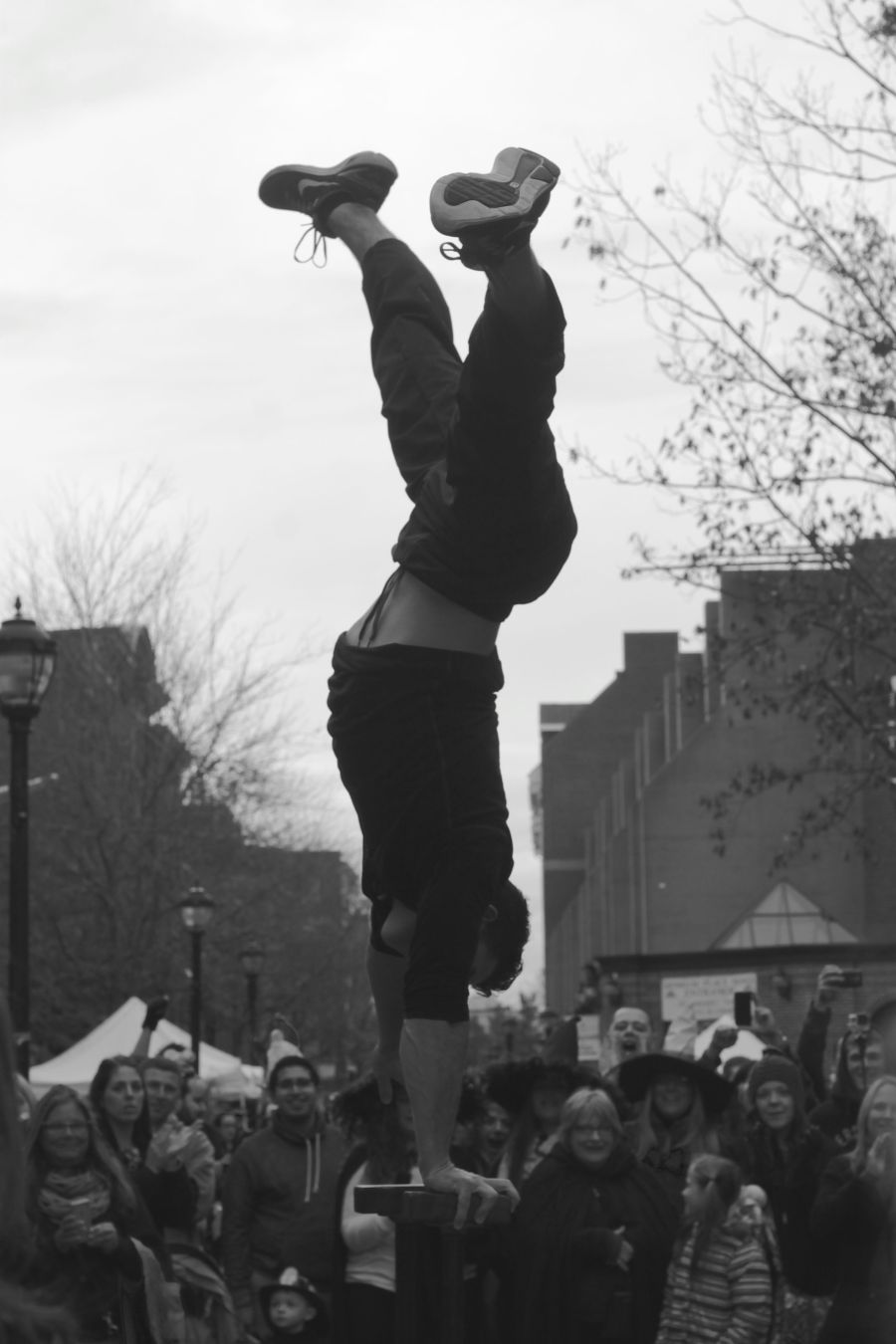 salem halloween october 31 2014 street performer hand stand