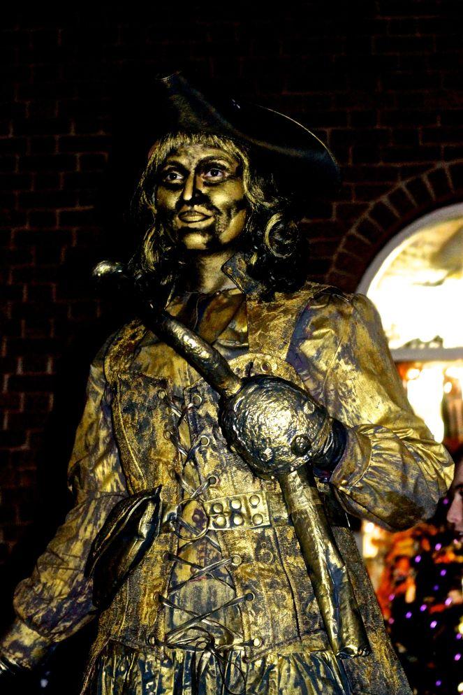 salem halloween october 31 2014 woman in gold costume