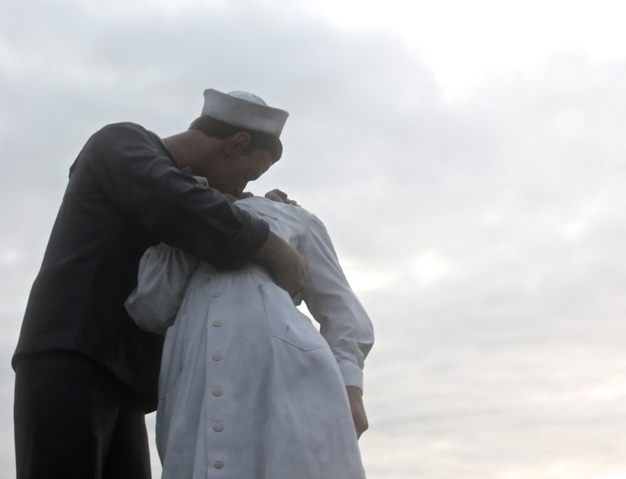 sarasota unconditional surrender statue by seward johnson