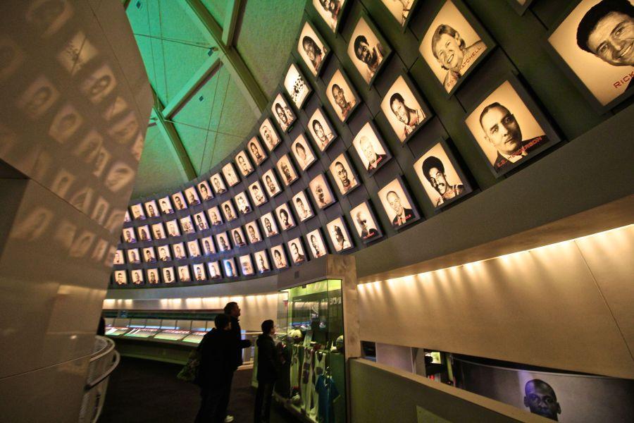Springfield Naismith Memorial Basketball Hall of Fame upstairs round