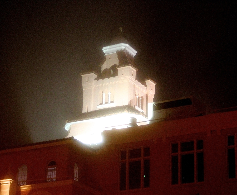 st pete beach Loews Don CeSar Hotel fog night 5