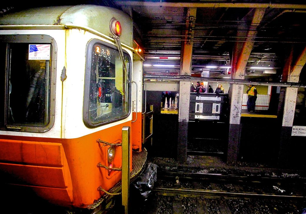 boston downtown crossing station orange line trapped