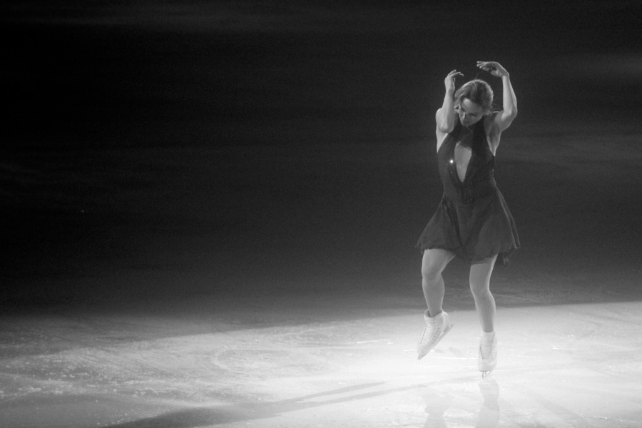 providence dunkin donuts center stars on ice march 14 2015 ekaterina gordeeva black white 2