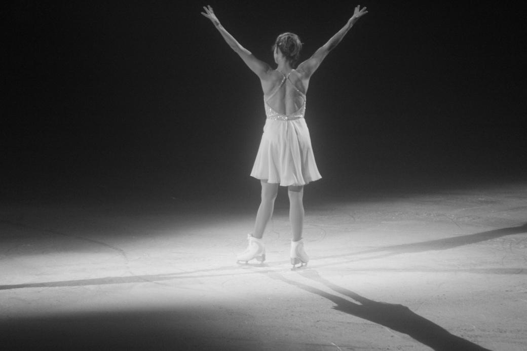 providence dunkin donuts center stars on ice march 14 2015 ekaterina gordeeva facing the audience black white
