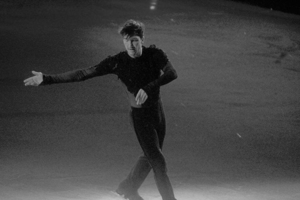 providence dunkin donuts center stars on ice march 14 2015 evan lysacek black white 2