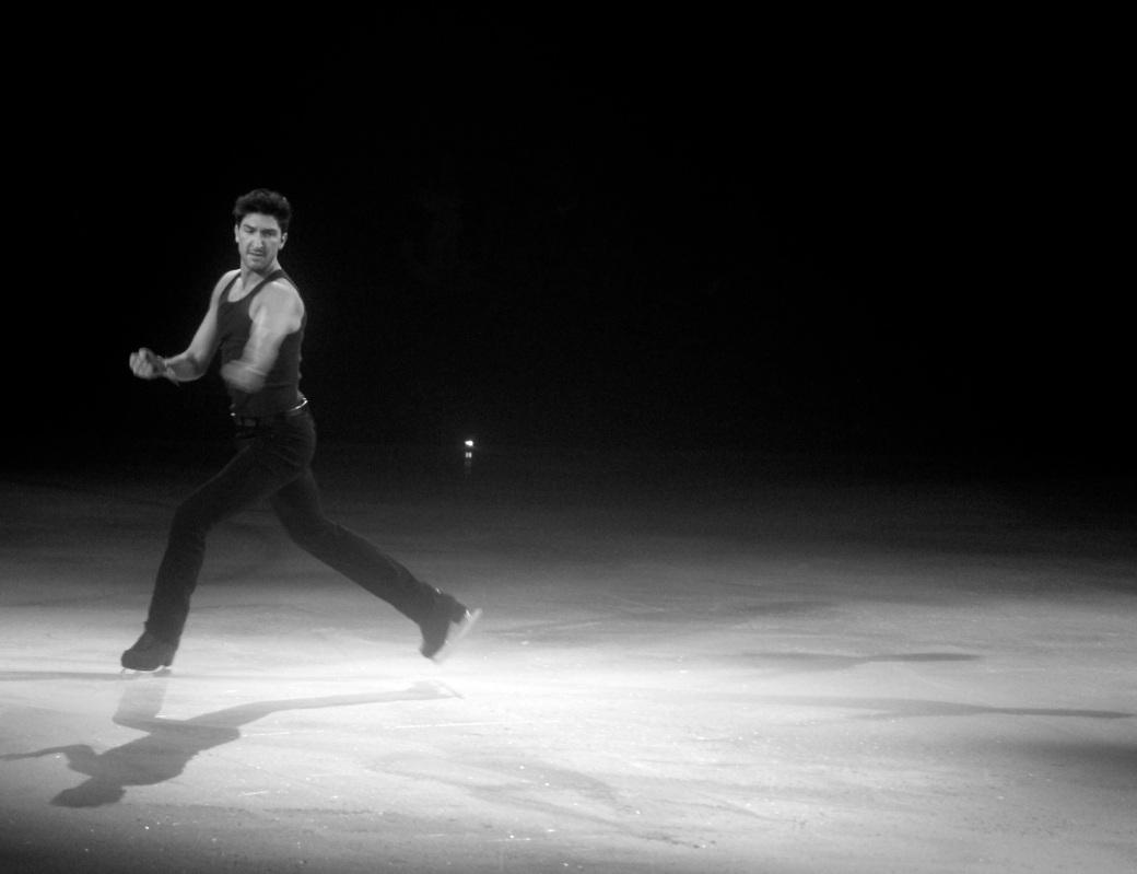 providence dunkin donuts center stars on ice march 14 2015 evan lysacek black white