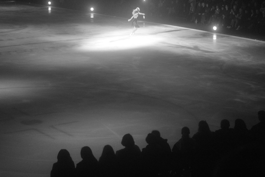 providence dunkin donuts center stars on ice march 14 2015 joannie rochette black white audience
