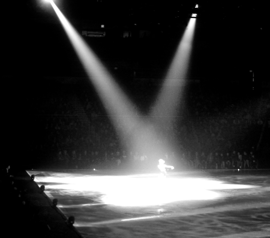 providence dunkin donuts center stars on ice march 14 2015 joannie rochette lights