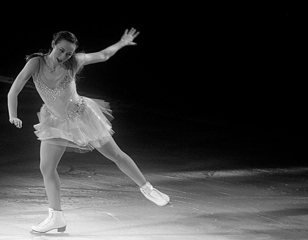 providence dunkin donuts center stars on ice march 14 2015 kimmie meissner black white