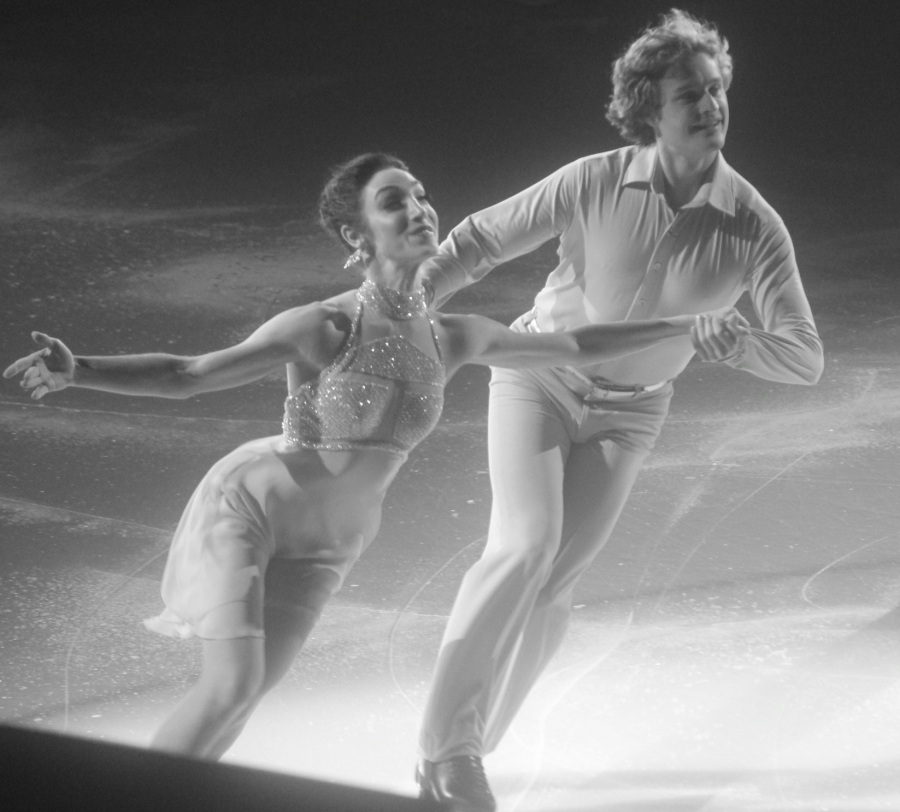 providence dunkin donuts center stars on ice march 14 2015 meryl davis charlie white black white