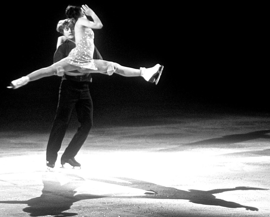 providence dunkin donuts center stars on ice march 14 2015 meryl davis charlie white lift black white