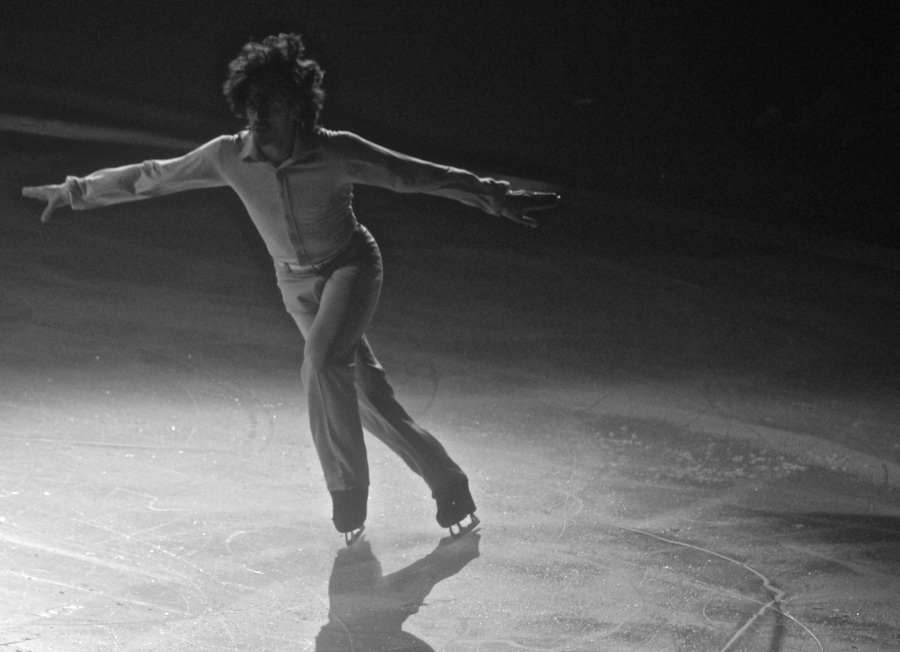 providence dunkin donuts center stars on ice march 14 2015 skater back lit black white