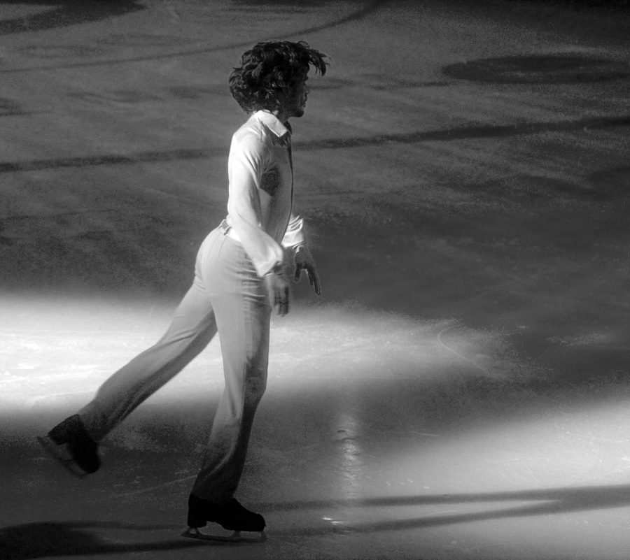 providence dunkin donuts center stars on ice march 14 2015 skater black white