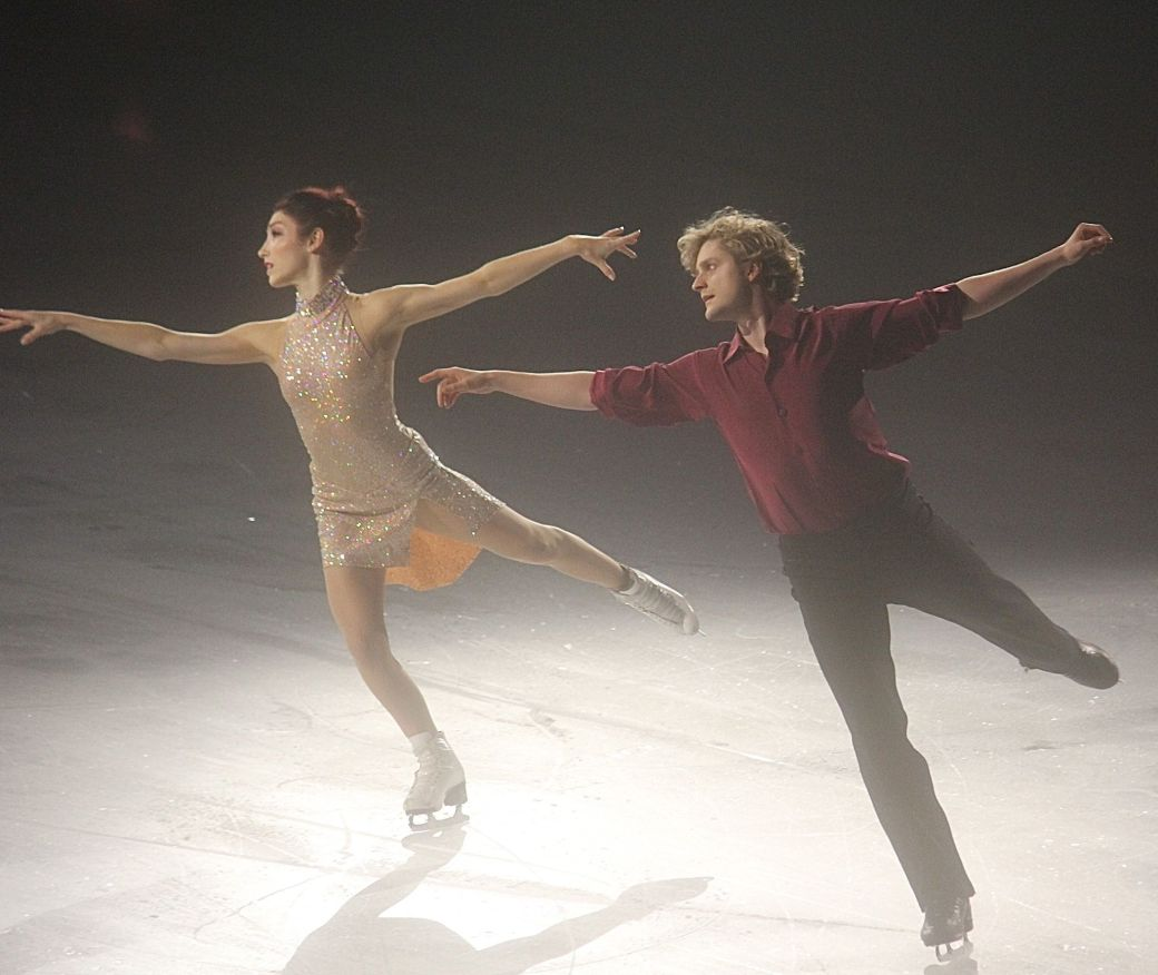 providence dunkin donuts center stars on ice march 14 charlie white meryl davis 6