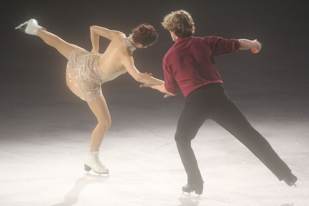 providence dunkin donuts center stars on ice march 14 charlie white meryl davis 7
