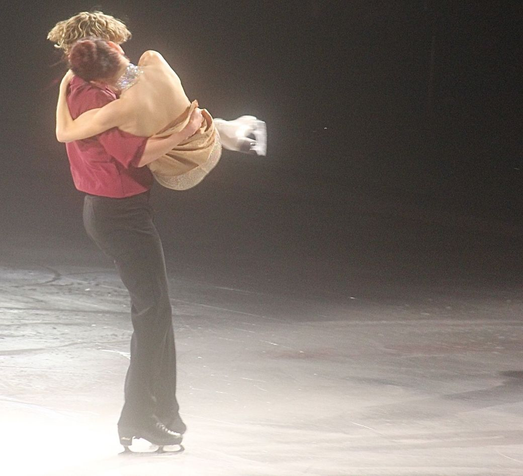 providence dunkin donuts center stars on ice march 14 charlie white meryl davis 9
