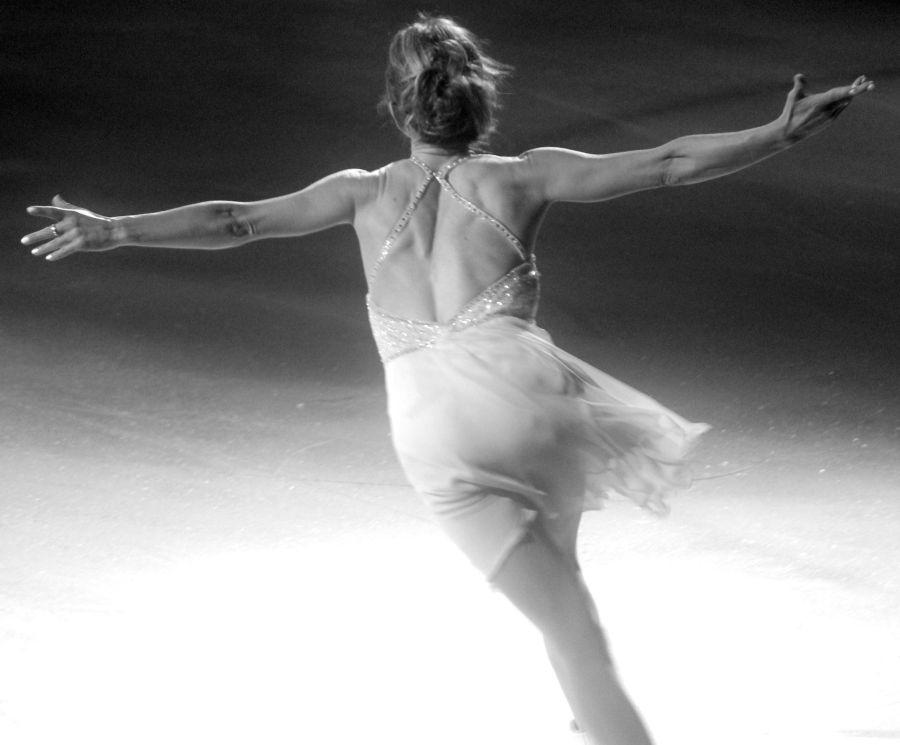 providence dunkin donuts center stars on ice march 14 ekaterina gordeeva black white