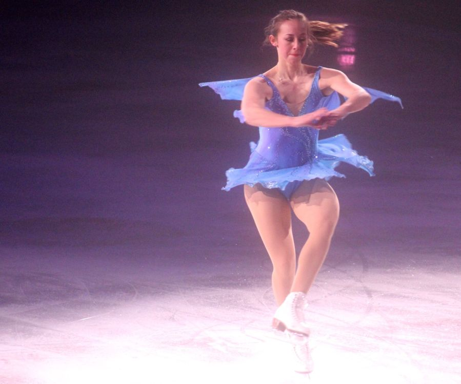 providence dunkin donuts center stars on ice march 14 kimmie meissner 5