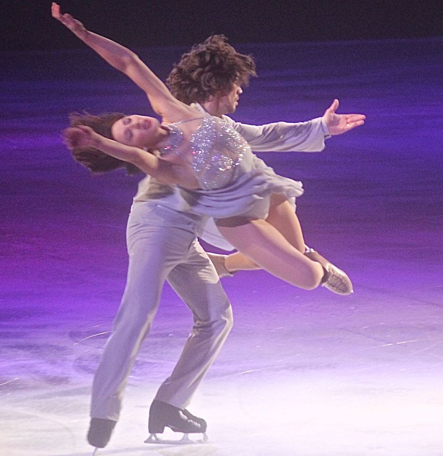 providence dunkin donuts center stars on ice march 14 pairs skaters