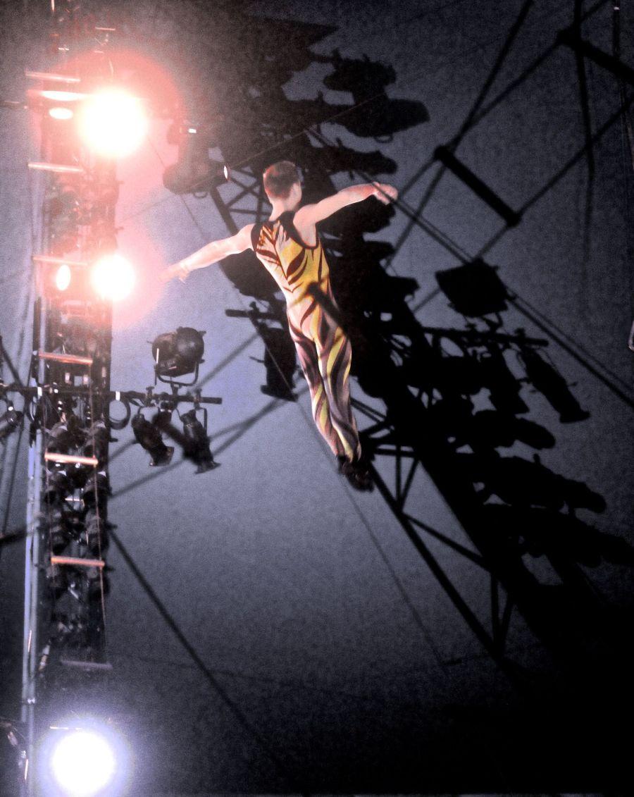 boston big apple circus performance april 29 2015 trapeze performer 10