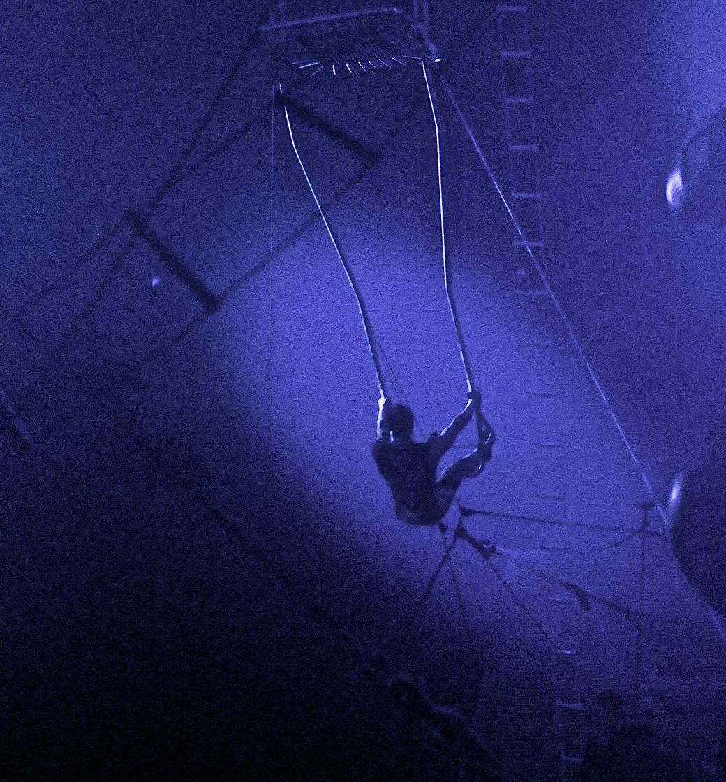 boston big apple circus performance april 29 2015 trapeze performer 2