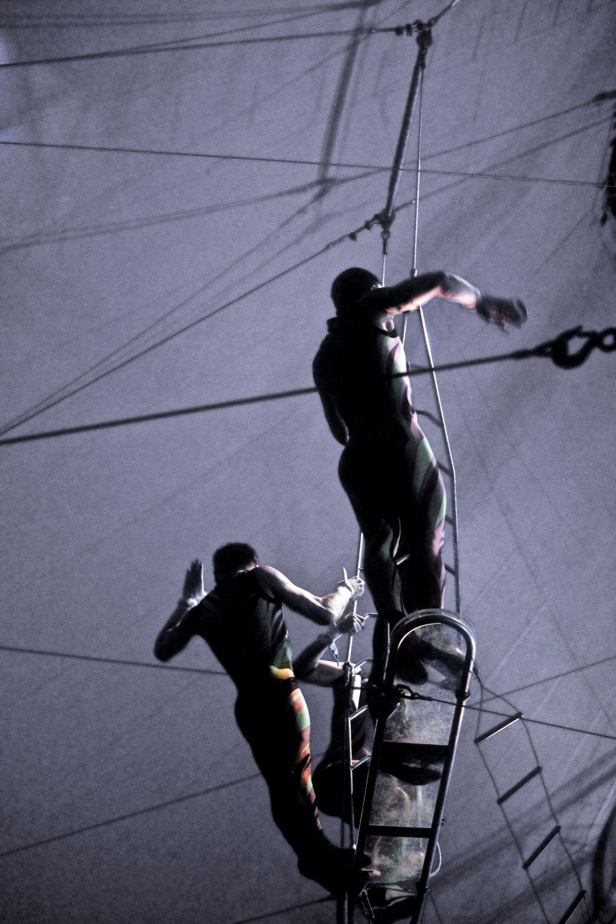 boston big apple circus performance april 29 2015 trapeze performer 5