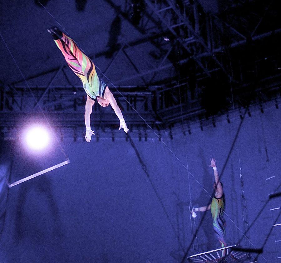 boston big apple circus performance april 29 2015 trapeze performer 7