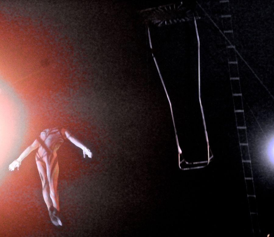 boston big apple circus performance april 29 2015 trapeze performer 8