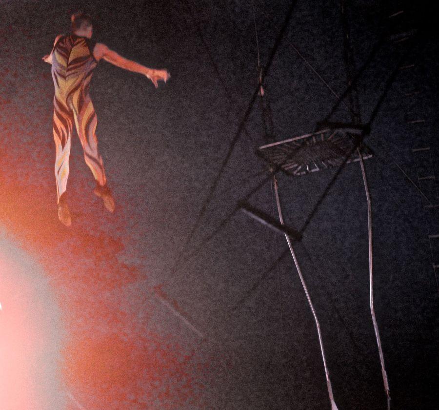 boston big apple circus performance april 29 2015 trapeze performer 9