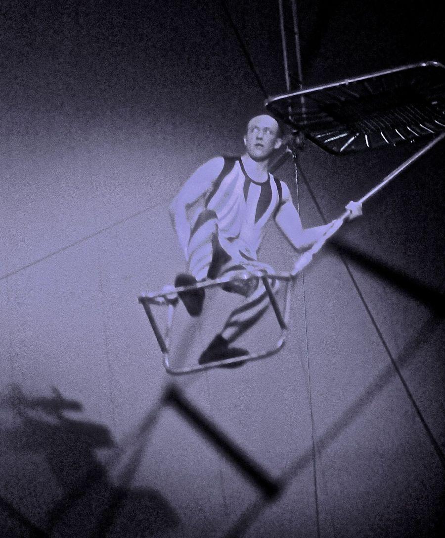 boston big apple circus performance april 29 2015 trapeze performer