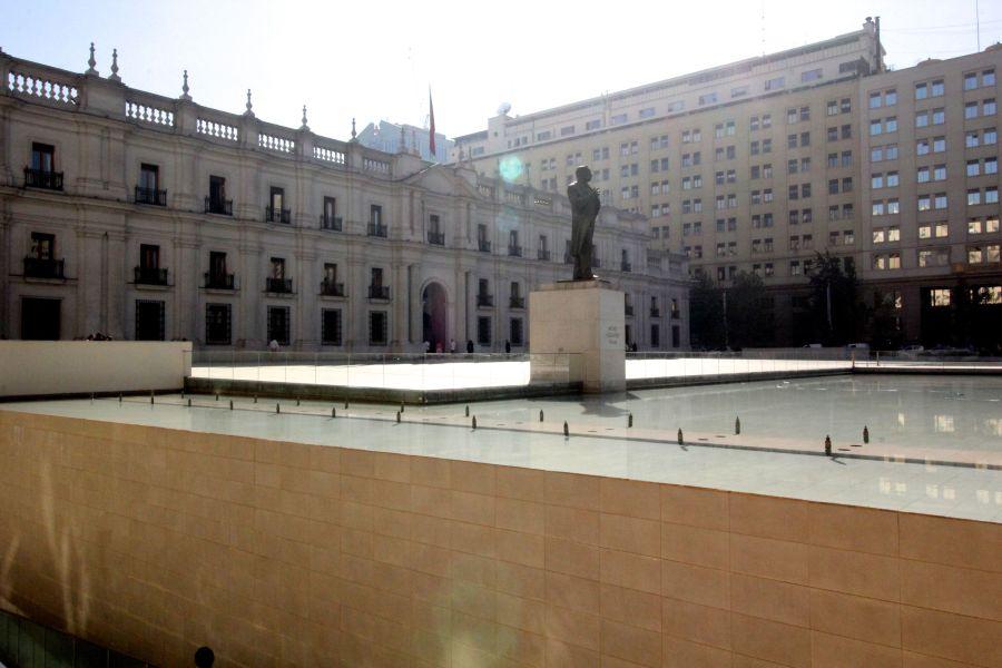chile santiago government house la moneda outside 1