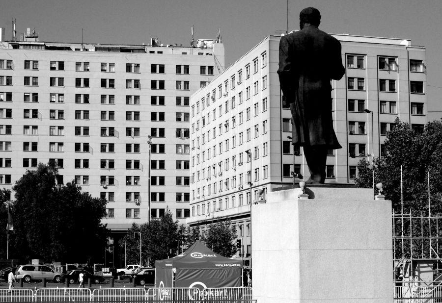 chile santiago government house la moneda statue outside