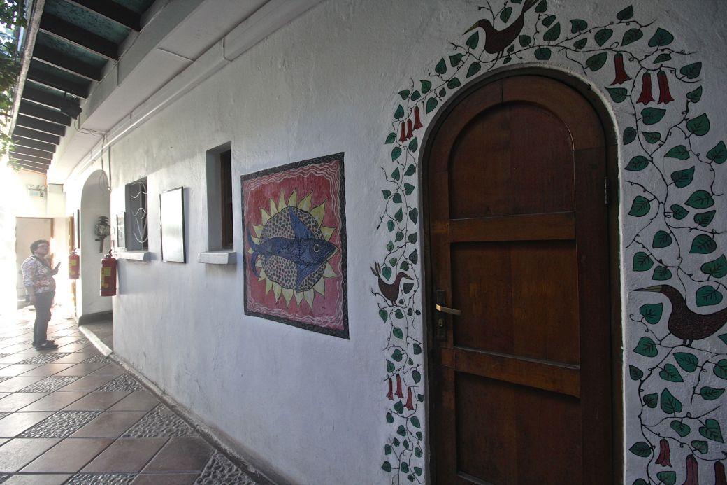 chile santiago pablo neruda house door mural