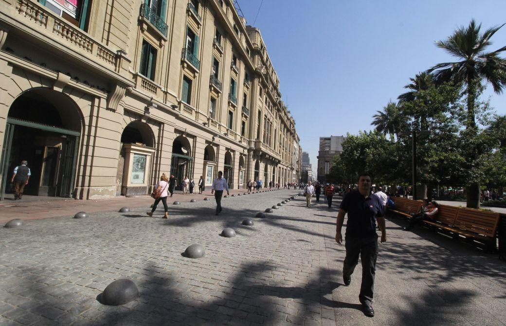 chile santiago plaza de armas palm trees building view