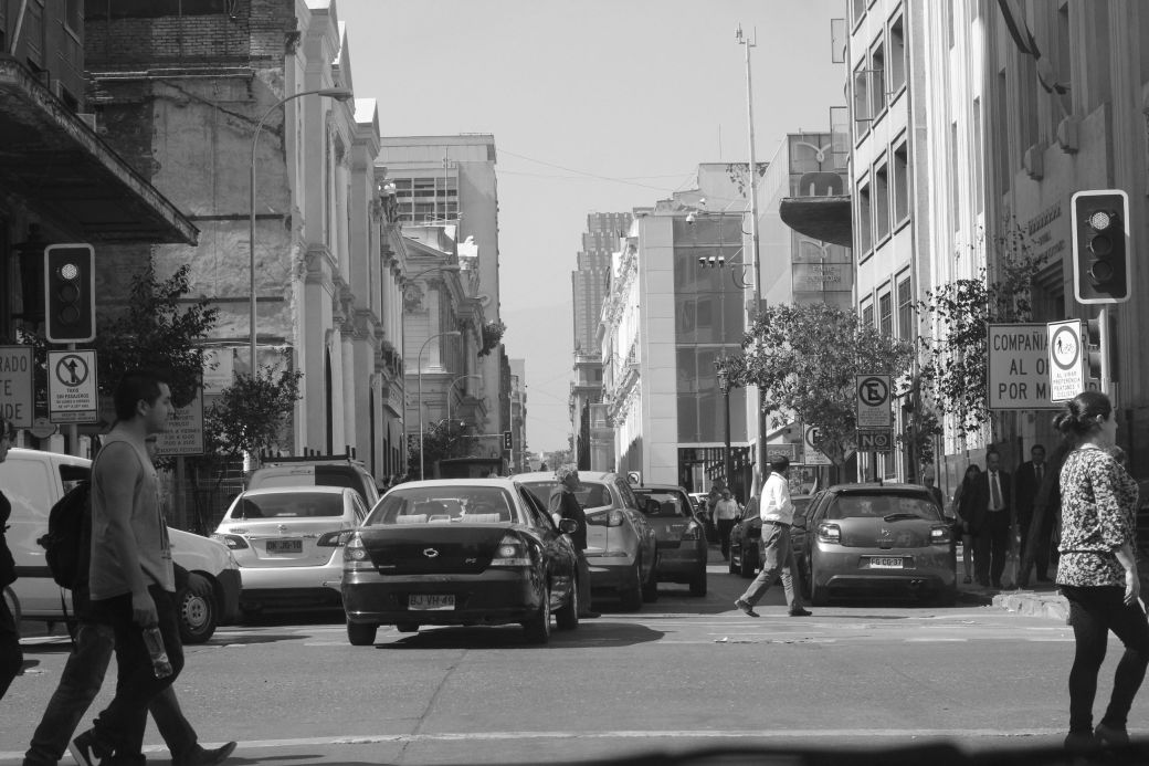 chile santiago street people crossing