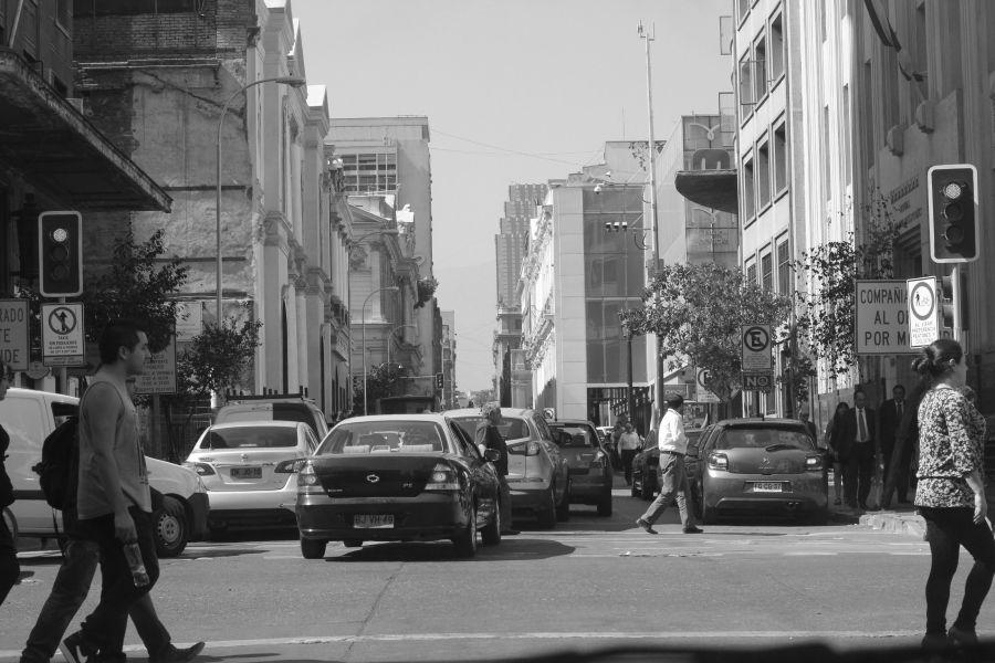 chile santiago street people crossing