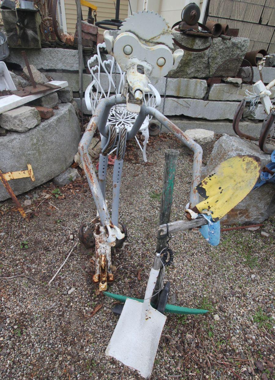 salem junk sculpture yard 4