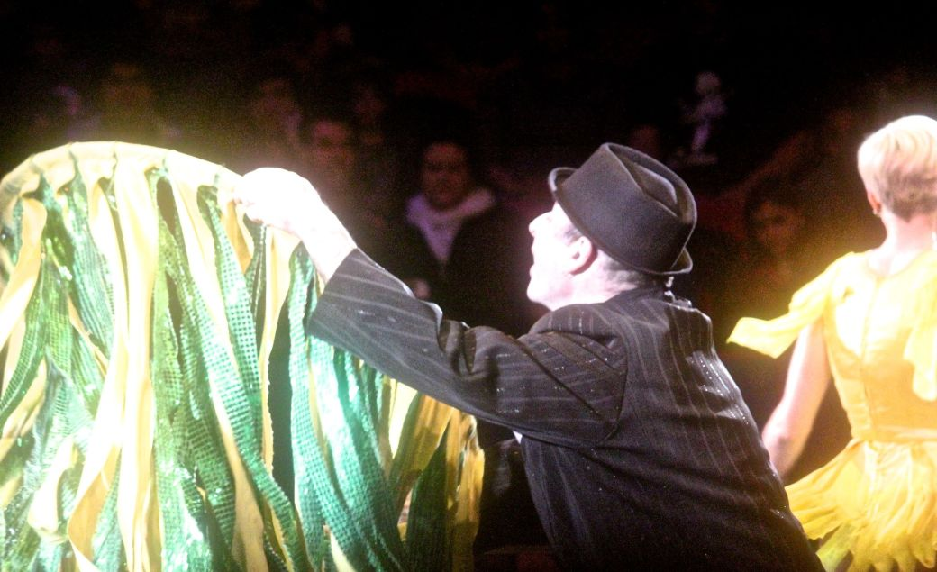 boston big apple circus performance april 29 2015 dress changing trick
