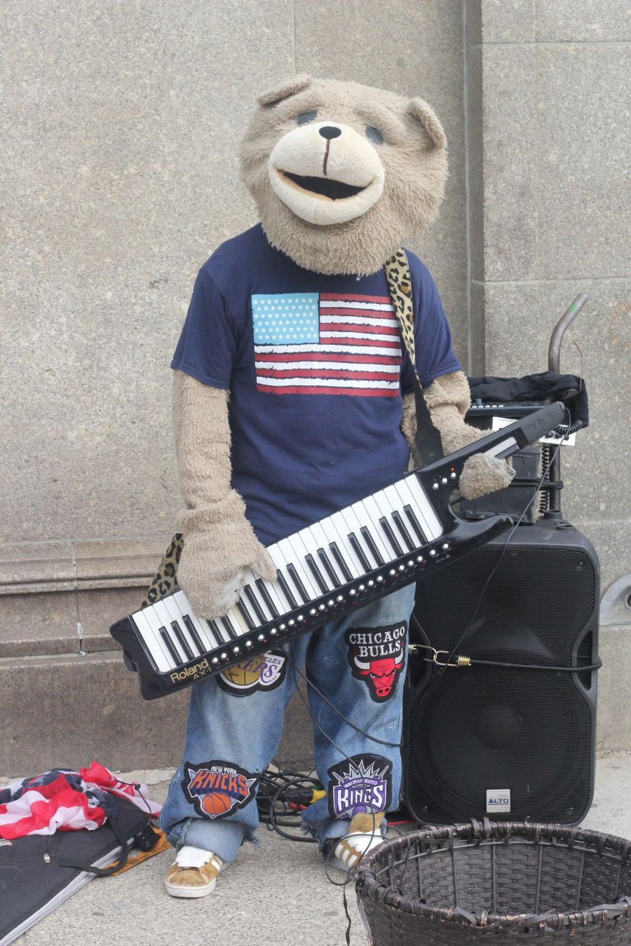 boston park street keytar bear july 4th