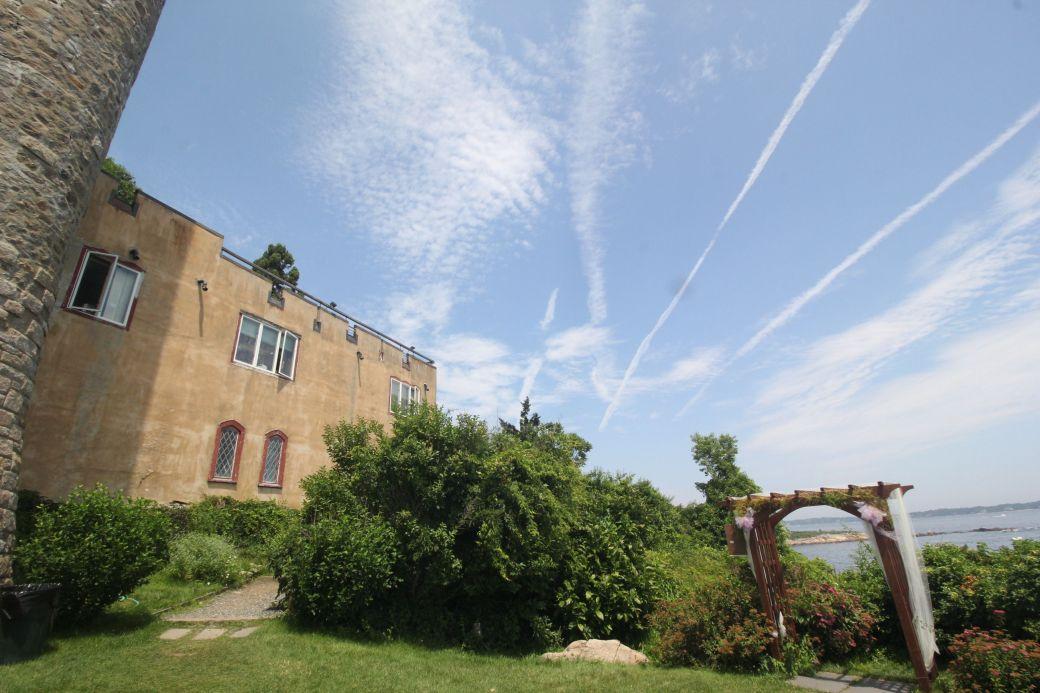 gloucester hammond castle exterior sky