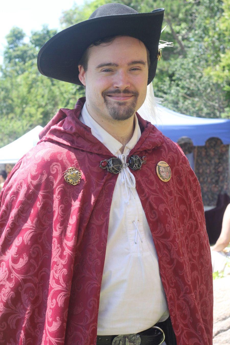 gloucester hammond castle renaissance fair man in red cape