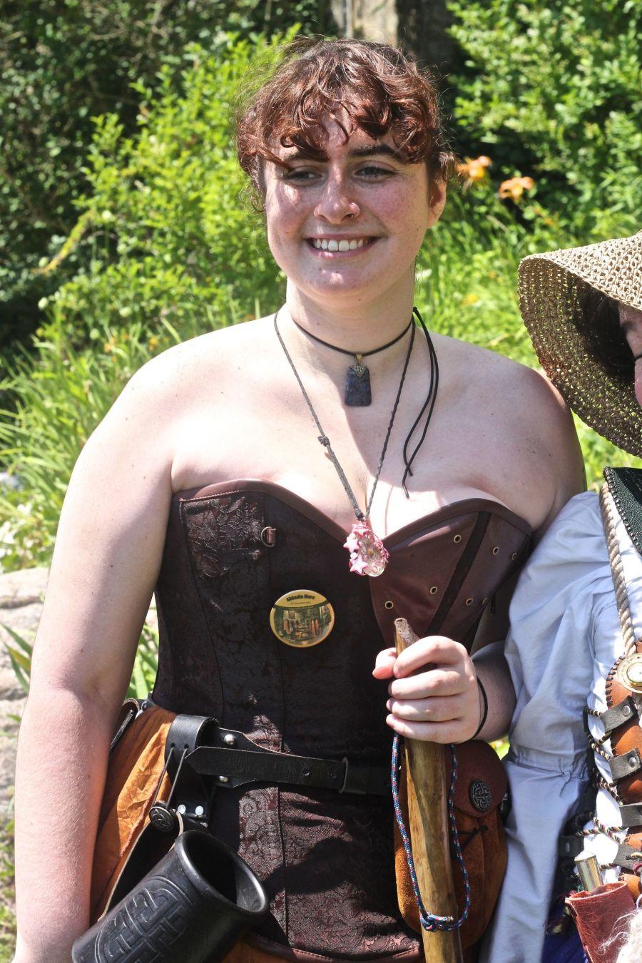 gloucester hammond castle renaissance fair woman in bustier