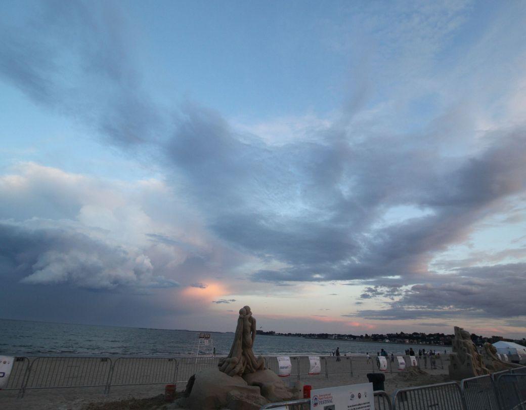 boston revere beach sand sculpture festival couple kissing sculpture sunset 2