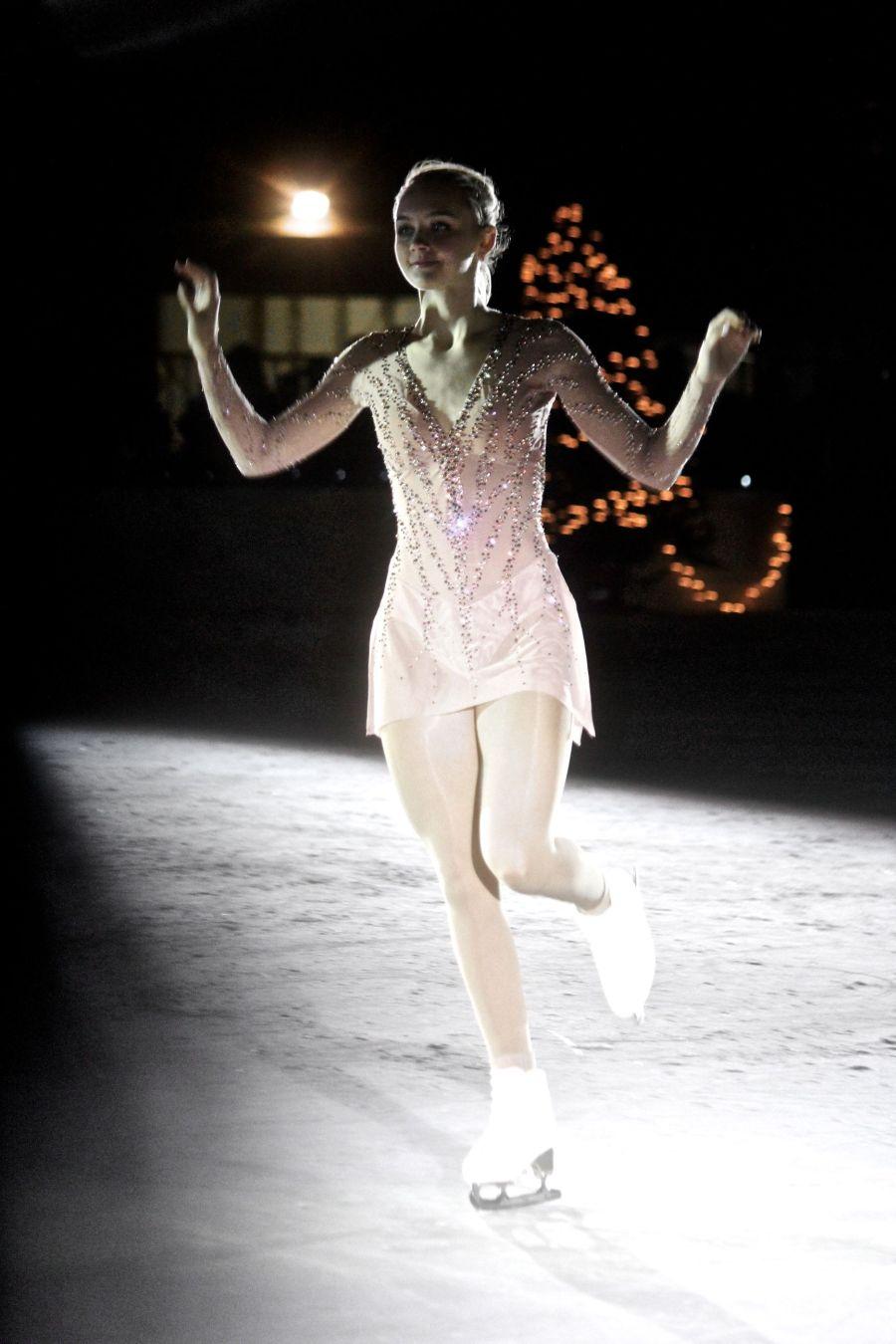 boston common christmas tree lighting december 3 2015 frog pond skating show ice skater 4