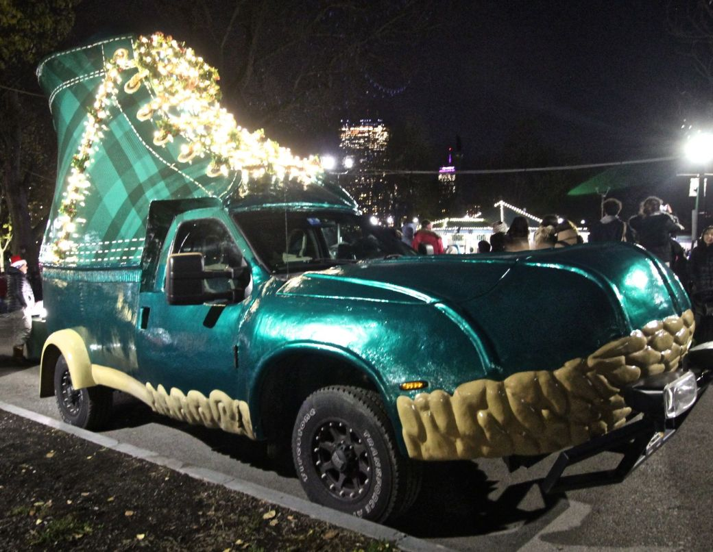 boston common christmas tree lighting december 3 2015 LL Bean shoe car